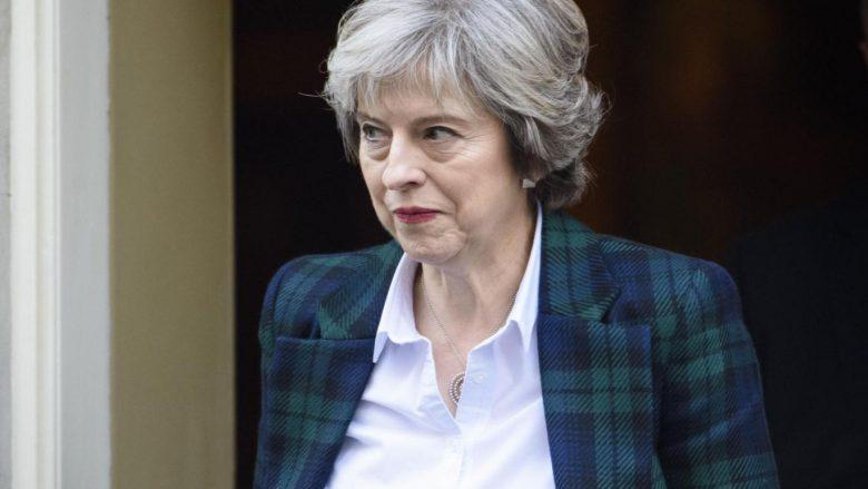 Theresa May përshëndet marrëveshjen mes Maqedonisë dhe Greqisë