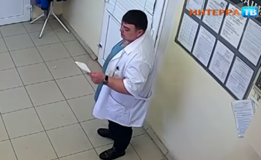 """Paraqitej si gjinekolog, arrestohet burri që për ditë të tëra """"i trajtoi"""" gratë atraktive (Video)"""