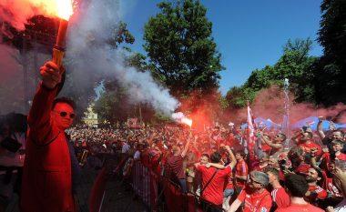 Rrugët e Kievit ngjyrosen me ngjyrë të kuqe, tifozët e Liverpoolit pushtojnë qytetin para finales