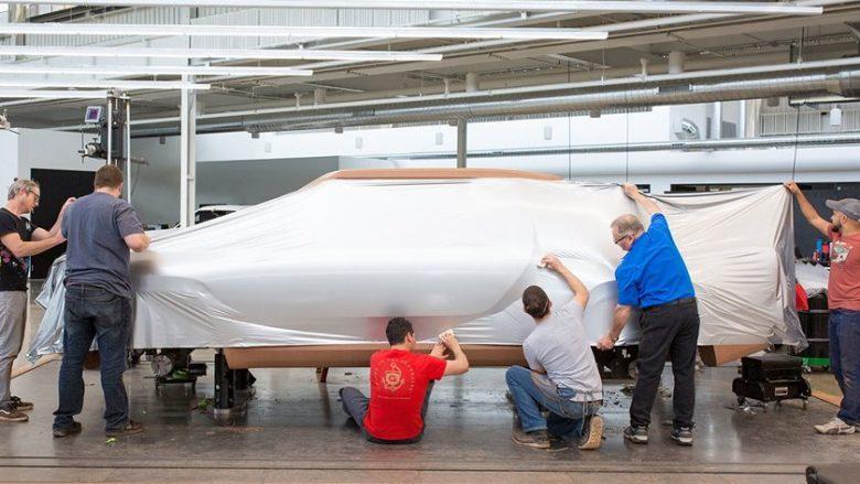 Makina elektrike me hapësirën për bartjen e mallrave, që do të jetë më e shpejtë se Ferrari (Foto)