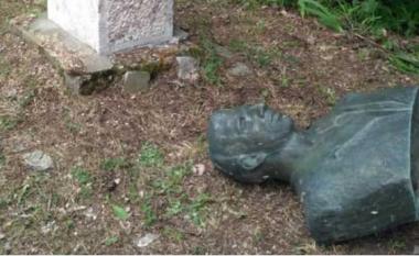 Janë dëmtuar përmendoret e Çede Filipovskit dhe Zllate Mallakovskit në Mavrovi Anovi (Foto)