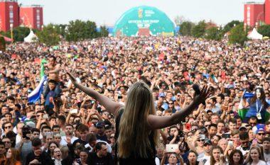 """Arilena Ara publikon videon e performancës fantastike në """"FIFA Fan Zone"""" të Moskës"""