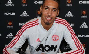 Zyrtare: Unitedi 'blindon' Smallingun me kontratë të re