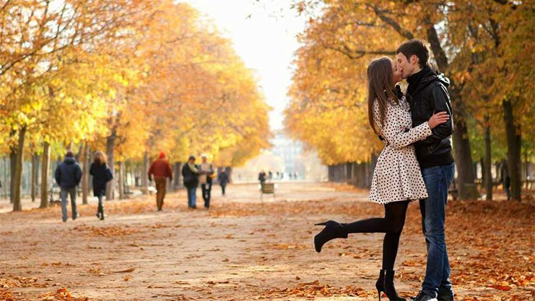 Tani është koha ideale për dashuri. Lexoni dhe do të bindeni...