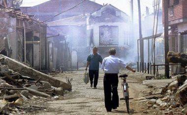 Gazetarët e BBC-së kujtojnë luftën në Kosovë dhe ndërhyrjen e NATO-s (Video)