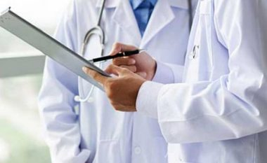 Mjekët privat specialistë me letër të hapur për kryeministrin Zoran Zaev