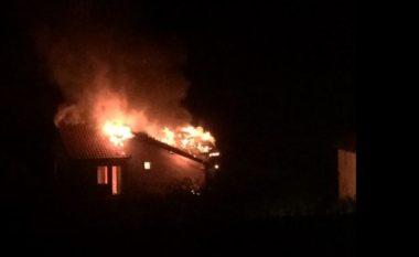 Në Forinë nga zjarri digjet një stallë dhe çatia e dy shtëpive