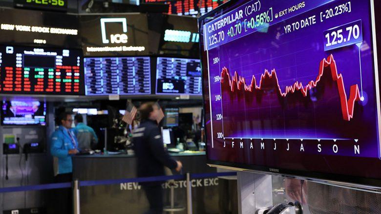 Bursat ndërkombëtare e nisin javën me rënie