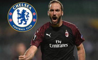 Higuain pritet të mbërrijë të martën në Londër për të finalizuar transferimin te Chelsea