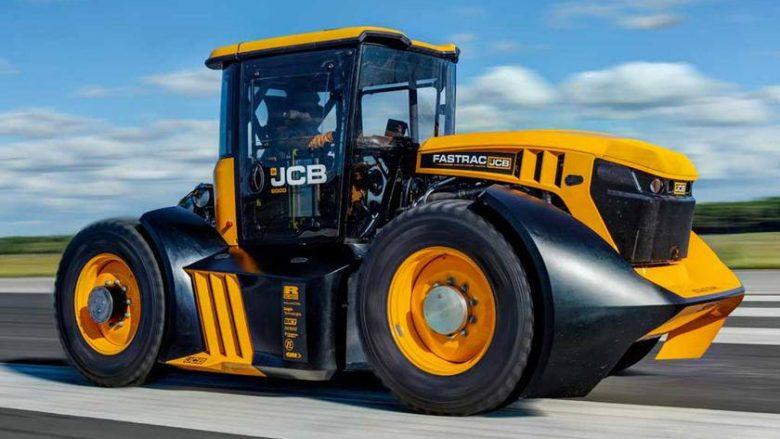 Traktori më i shpejtë në botë, shpejtësia maksimale e tij është 166 kilometra në orë (Foto/Video)