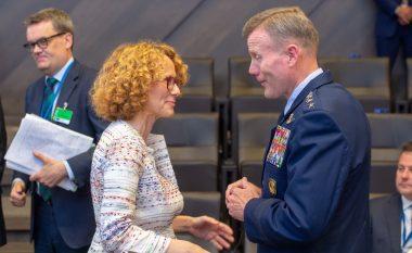 Sheqerinska në Bruksel realizon takime bilaterale me ministrat e mbrojtjes të vendeve të NATO-s