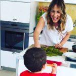 """""""5 minuta në kuzhinën e Arbana Osmanit; moderatorja rrëfen librin e ri,  kohën me Jonin dhe projektet në TV"""