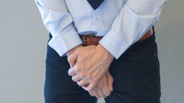 Meshkujt i prekin testikujt mesatarisht shtatë herë në ditë – por 66% asnjëherë nuk kontrollohen te doktori