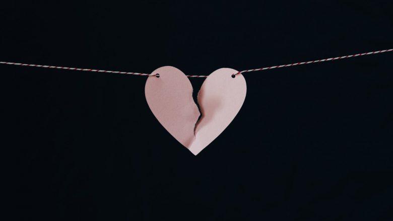 Të gjithë e kemi personin që na ka lënduar aq shumë, saqë na ka ndryshuar përgjithmonë