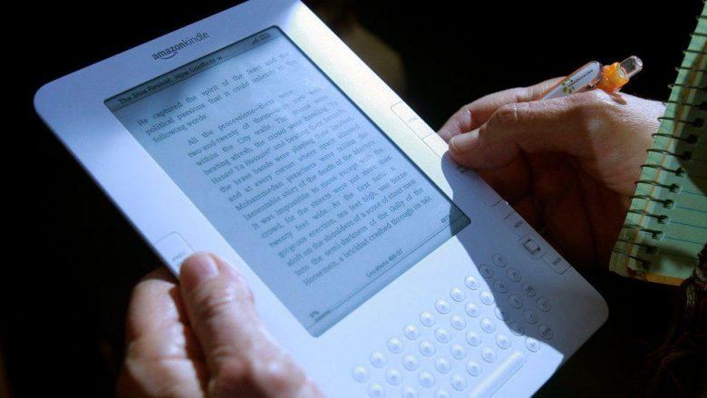 Kindles më të vjetër mund të humbasin lidhjen me internet
